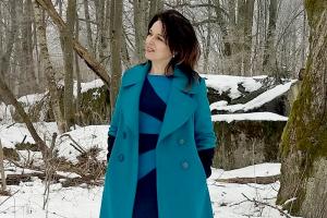 Turkusowy płaszcz